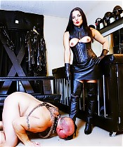 Michelles Pleasure Slave