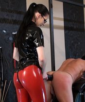 Lady alshari - Take The Big Black Strap-on